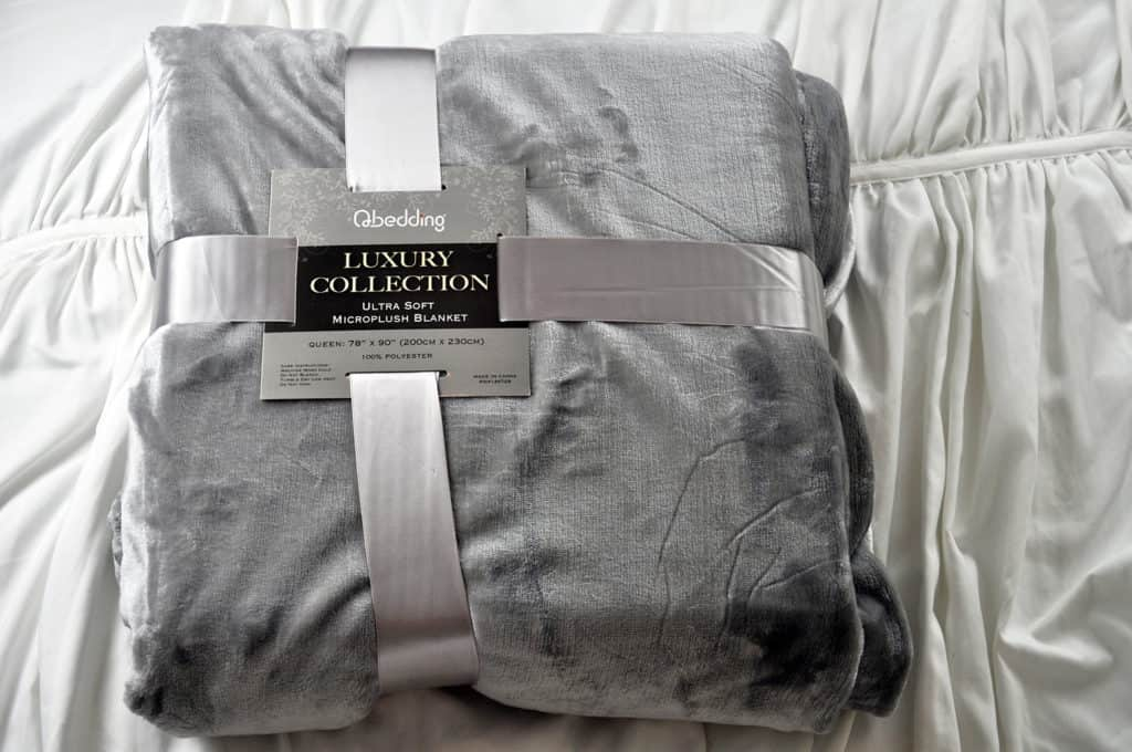 qbedding-packaging-review-1024x680 Qbedding Microplush Fleece Blanket Review