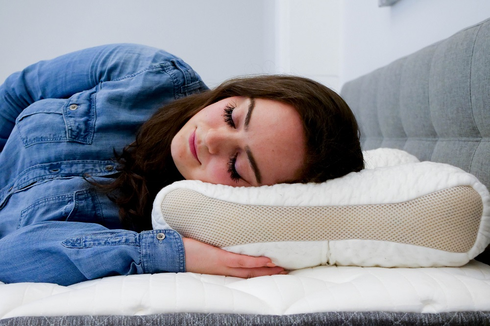 SpineAlign-Side-Sleeper SpineAlign Pillow Review
