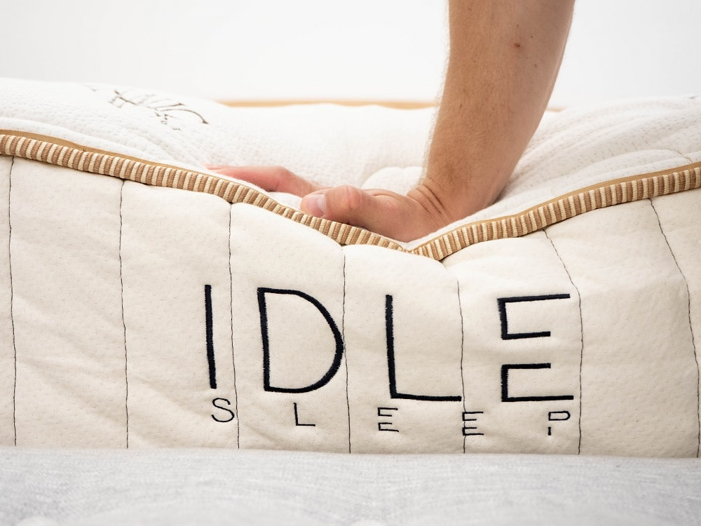 Idle-Hand-Press Best Latex Mattress Reviews