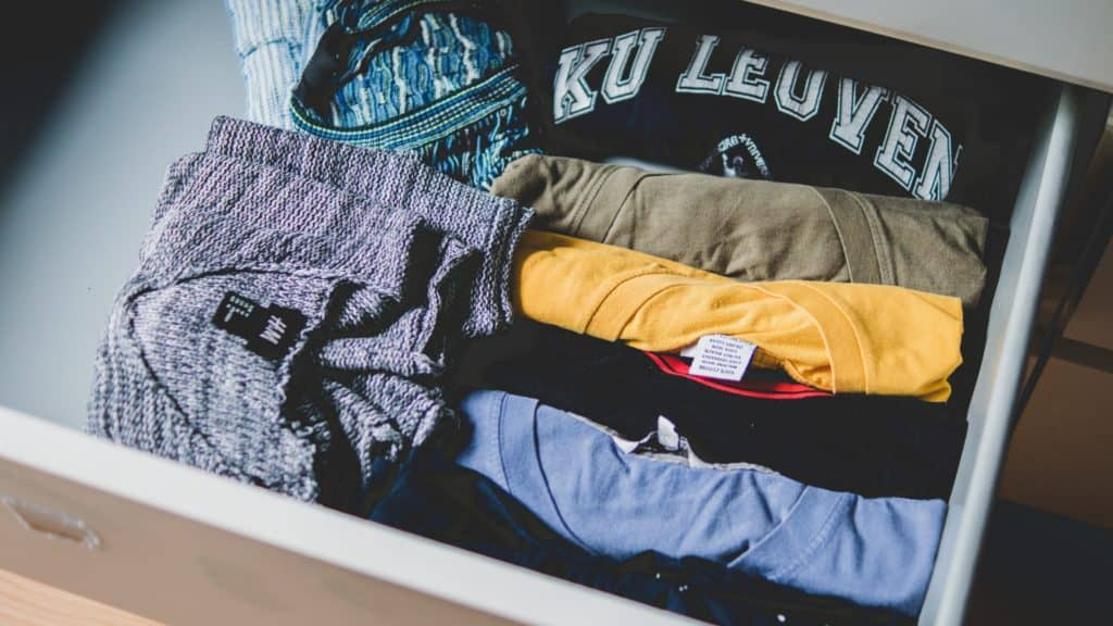 closet-clothes-clothing-581087-1024x576 Marie Kondo's 9 Best Tips for Organizing your Bedroom